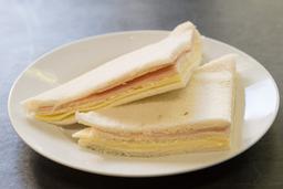 Sándwiche de Jamón y Palmitos