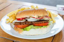 Chivito Vegetariano + Fritas