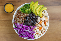 Ensalada Quinoa Chicken Bowl