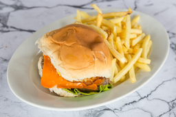 2x1 Hamburguesa Cheddar Bacon + Fritas