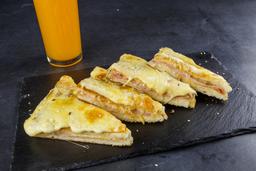 Sandwiche Caliente + Jugo de Naranja