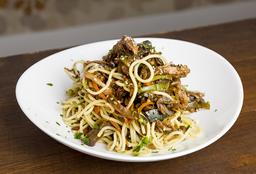 Wok  en Combo de Pollo y Spaghettis