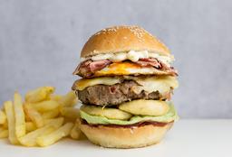 Imperial Burger con Papas Fritas + Refresco