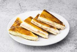 Sándwich Caliente y Cappuccino