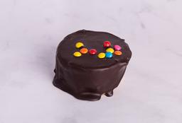 Alfajor de Chocolate con Rocklets