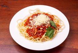 Spaghettis con Salsa + Pan y Postre