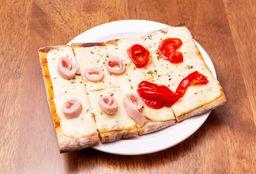 Pizza con Muzzarella + 2 Gustos