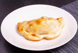 Empanada de Carne con Pasas