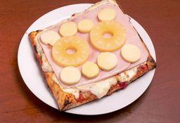 Pizza Muzzarella + 3 Gustos