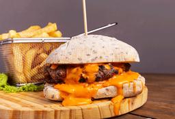 Hamburguesa Super Cheddar con Fritas