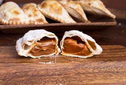 Empanada de Dulce de Leche y Nuez