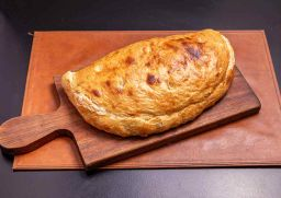 Calzone Jamón y Queso