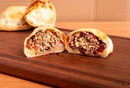 Empanada de Carne & Pasas