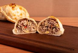 Empanada de Carne & Aceitunas