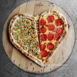 Pizza Libre Heart