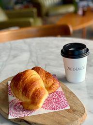 Medialunas y Café