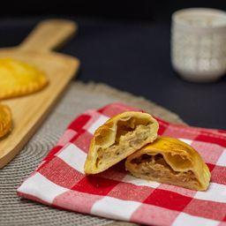 Empanada Criolla de Queso y Cebolla
