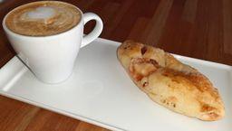 2x1 Combo Pan de Membrillo y Queso +Café Cortado - 150 ml