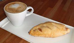 2x1 Combo Pan de Queso +Café Cortado - 150 ml