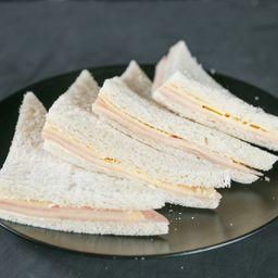 Sándwiches de Jamón y Queso - 24 Unidades