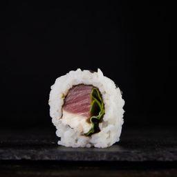 Tuna roll x 8