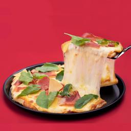 Pizza Requeso Parmesano