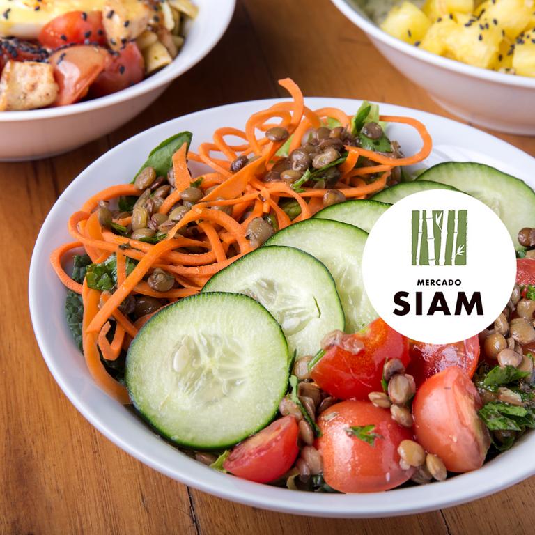 Logo Remix Salads